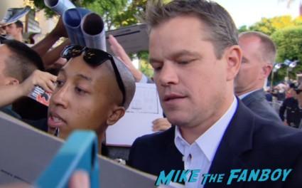 matt damon signing autographs at the Elysium Movie Premiere! With Jodie Foster! Matt Damon! Sharlto Copley! Neill Blomkamp! Alice Braga! Diego Luna! Autographs! And More!
