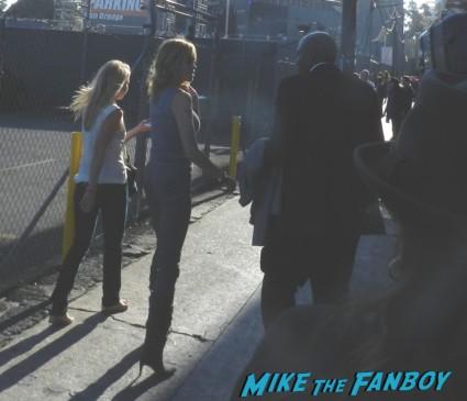 melanie griffith signing autograph ashton kutcher disses fans 003