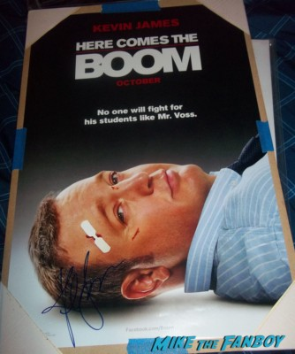 Kevin James signed Here Comes The boom movie poster rare Kevin James signing autographs for fans the king of queens star paul blart mall cop