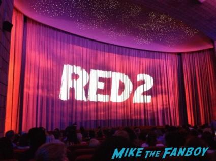 red 2 european movie premiere red carpet mary louise parker helen mirren (4)