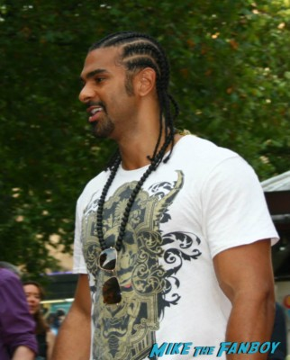 David Haye signing autographs at the red 2 european movie premiere red carpet mary louise parker helen mirren (20)