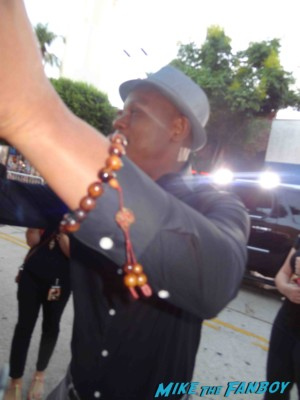 Bokeem Woodbine signing autographs for fans riddick movie premiere rare