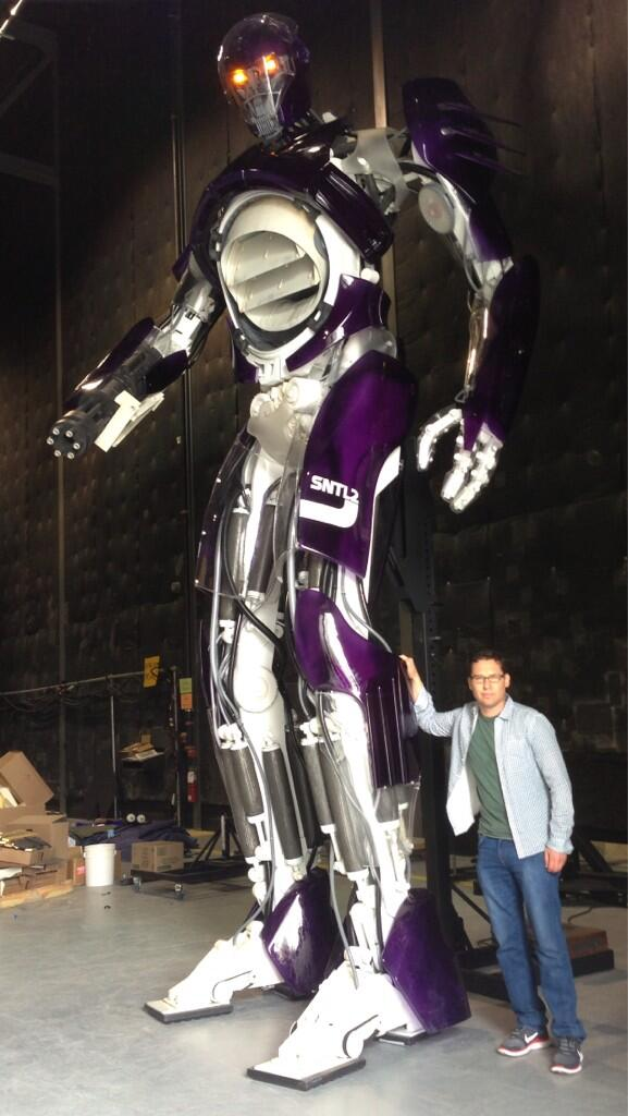 bryan Singer with all full size sentinal from X-Men Days of Future past