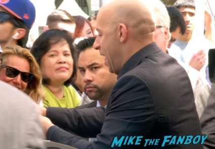 vin diesel signing autographs for fans vin diesel walk of fame star ceremony signing autographs jordana brewster (18)