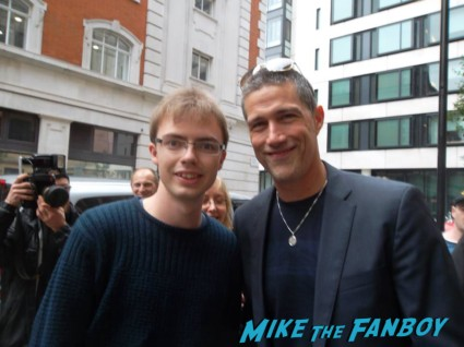 Matthew fox signing autographs fan photo rare lost party of five star