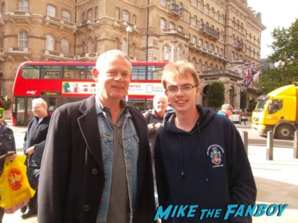Martin Clunes fan photo signing autographs for fans rare hot promo