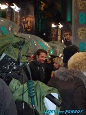 bradley cooper signing autographs for fans rare