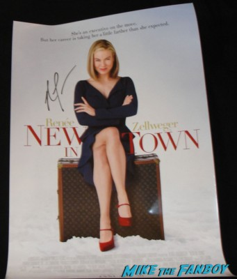 new in town poster signed autograph original press kit rare Renée Zellweger signing autographs for fans rare promo empire records