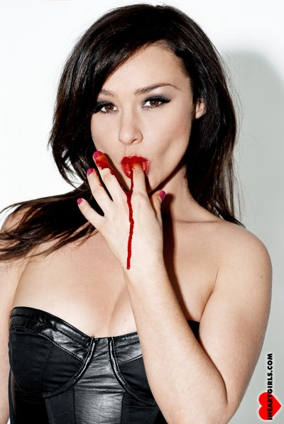 Danielle Harris hot sexy signed autograph photo licking blood