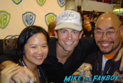 Michael Muheny & enrico Colantoni signing autographs at the WB Booth at comic con sdcc 2009