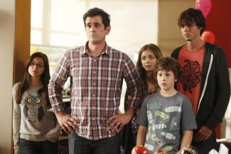 "Modern Family - Season 4 MODERN FAMILY -- ""Bringing Up Baby"" Episode 401 -- Pictured: (l-r) -- (Photo by: Hopper Stone/Fox)"
