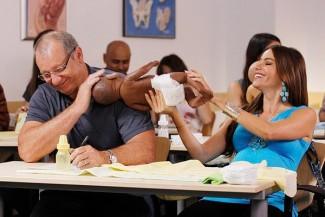 """Modern Family - Season 4 MODERN FAMILY -- """"Bringing Up Baby"""" Episode 401 -- Pictured: (l-r) -- (Photo by: Hopper Stone/Fox)"""