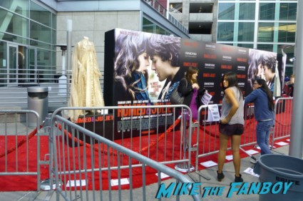 romeo and juliet red carpet photo movie premiere rare arclight