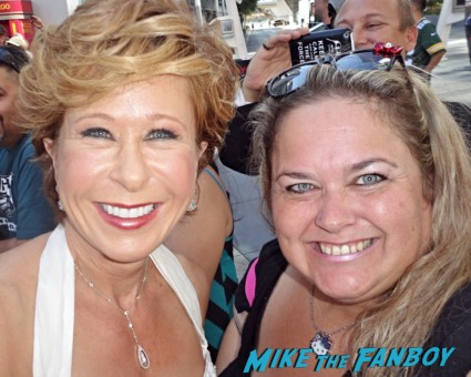 yeardley smith fan photo signing autographs for fans rare promo hot Lisa Simpson and Yeardley Smith yeardley smith the simpsons animated character lisa simpsons