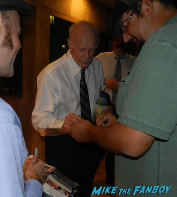 dabney coleman signing autographs for fans 2013 wargames 005