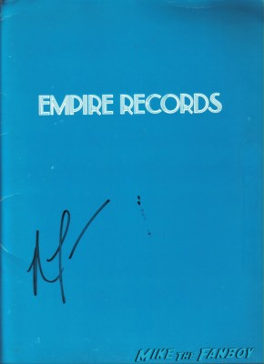 empire reords signed autograph original press kit rare Renée Zellweger signing autographs for fans rare promo empire records