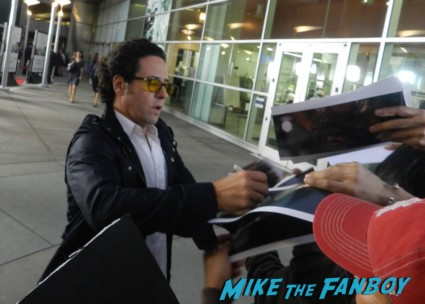 Rob Morrow signing autographs Thanks for sharing movie premiere Gwyneth Paltrow red carpet pink tim robbins