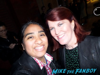 Kate Flannery fan photo signing autographs rare Chris hemsworth looking hot rush new york movie premiere red carpet props race cars rare