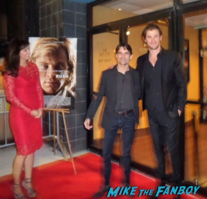 Chris hemsworth looking hot rush new york movie premiere red carpet props race cars rare