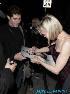 Renée Zellweger signing autographs for fans rare promo empire records