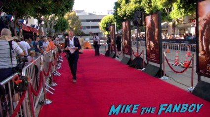 riddick movie premiere red carpet vin diesel katie sackhoff signing autographs (1)