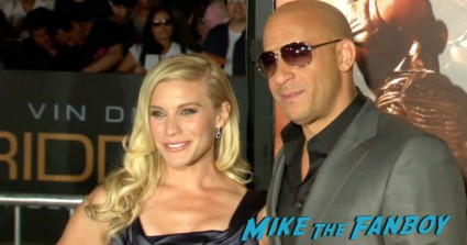 vin diesel on the red carpet at the riddick movie premiere red carpet vin diesel katie sackhoff signing autographs (37)