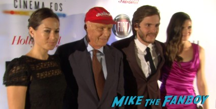 Niki Lauda signing autographs for fans rush tiff premiere screening chris hemsworth ron howard red carpet (23)
