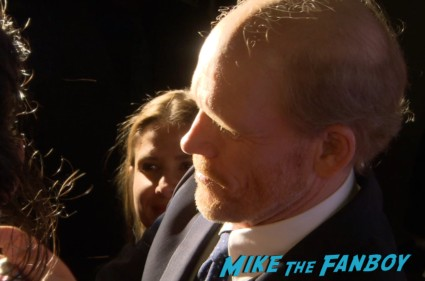 ron howard signing autographs rush tiff premiere screening chris hemsworth ron howard red carpet (28)