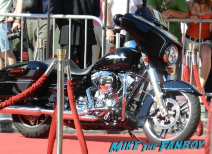 jax teller's prop bike from the red carpet at the sons of anarchy season 6 premiere red carpet charlie hunnam 001
