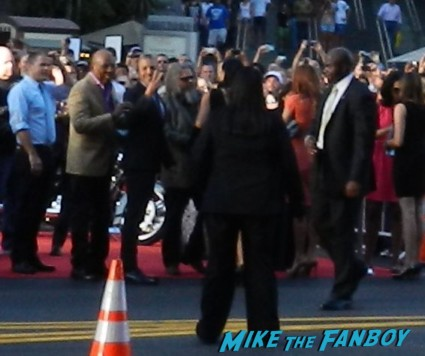 sons of anarchy season 6 premiere red carpet charlie hunnam 012