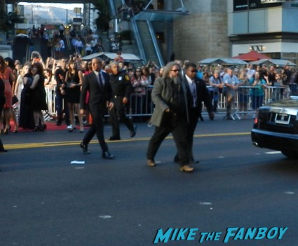 sons of anarchy season 6 premiere red carpet charlie hunnam 014