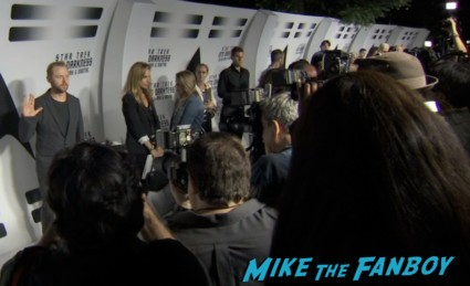 star trek into darkness blu ray party simon pegg jj abrams red carpet (5)