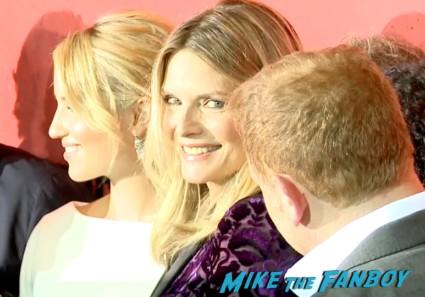 michelle pfeiffer on the red carpet the family new york movie premiere red carpet michelle pfeiffer robert deniro (24)