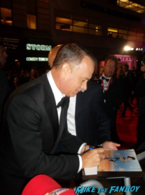 tom hanks signing autographs Tom hanks signed autograph card rare London film festival captain phillips red carpet