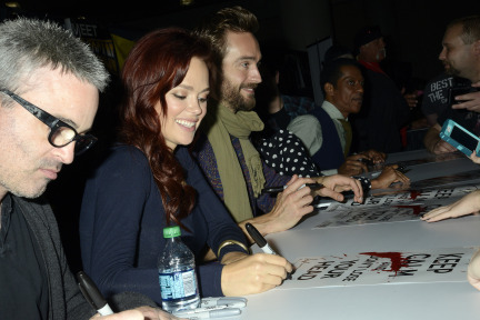 FOX FANFARE AT NEW YORK COMIC CON: Cast members Nicole Beharie and Orlando Jones autograph posters and greet fans at the SLEEPY HOLLOW booth signing during the New York Comic Con on Sunday, Oct. 13 at Javits Center in New York, NY.  CR: Laura Thompson/FOX