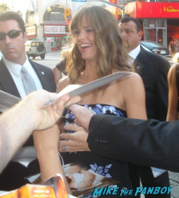Jennifer Garner signing autographs for fans the invention of lying premiere