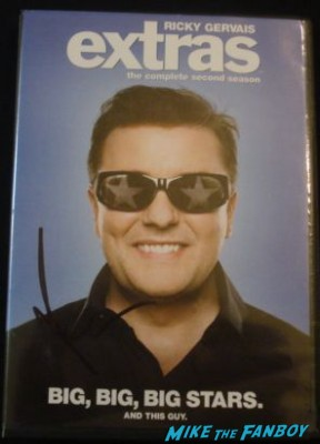 Ricky Gervais signed autograph extras dvd signing autographs invention of lying movie premiere
