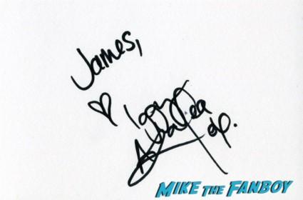 Iggy Azalea signing autographs in london Inside llewyn davis lff premiere red carpet (6)