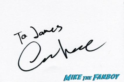 Oscar Isaac signing autographs at the Inside llewyn davis lff premiere red carpet (8)
