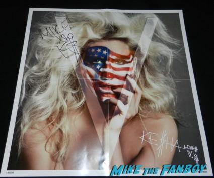 Ke$ha signed autograph V Magazine poster signing autographs after jimmy kimmel live 049