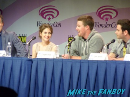 arrow wondercon panel 2013 hot stephen amell rare