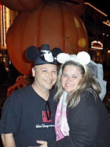 keith coogan wedding disneyland bachlorette party Pinky at her bachlorette party at disneyland rare