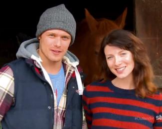 Sam and Catriona outlander promo still