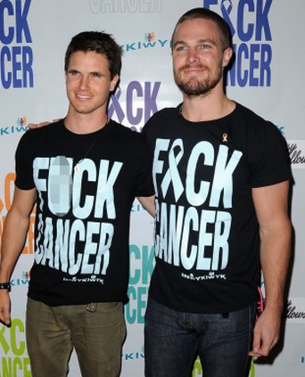 stephen-amell-fuck-cancer-event-with-cousin-robbie-10