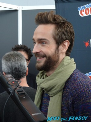 Tom Mison hot sexy nycc 2013 sleepy hollow press