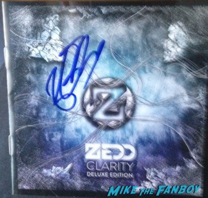 Zedd signed autograph clarity cd signing autographs for fans meet zedd live in concert (2)