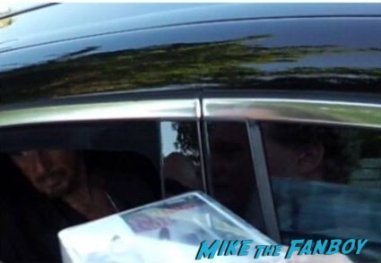 al pacino signing autographs from his car