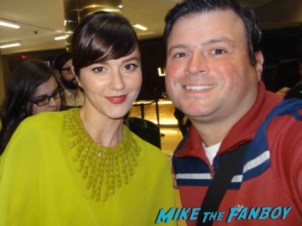 Mary Elizabeth Winstead  fan photo signing autographs for fans rare