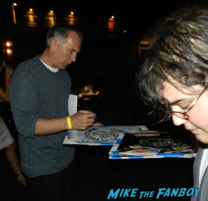 Patrick St. Esprit signing autographs  sons of anarchy one heart benefit charlie hunnam leaving