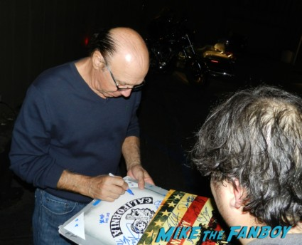 Dayton Callie signing autographs sons of anarchy one heart benefit charlie hunnam leaving